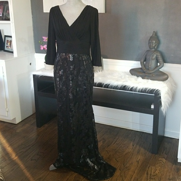 Adrianna Papell Dresses | Long Vneck Sequin Lace Gown | Poshmark